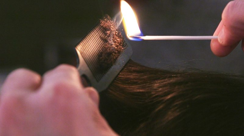 Why this traditional Italian barber shop still cuts hair with fire