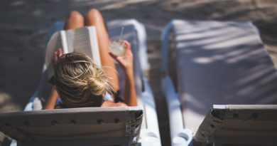 Ready for Summer? Here are 8 Beachy Business Reads.